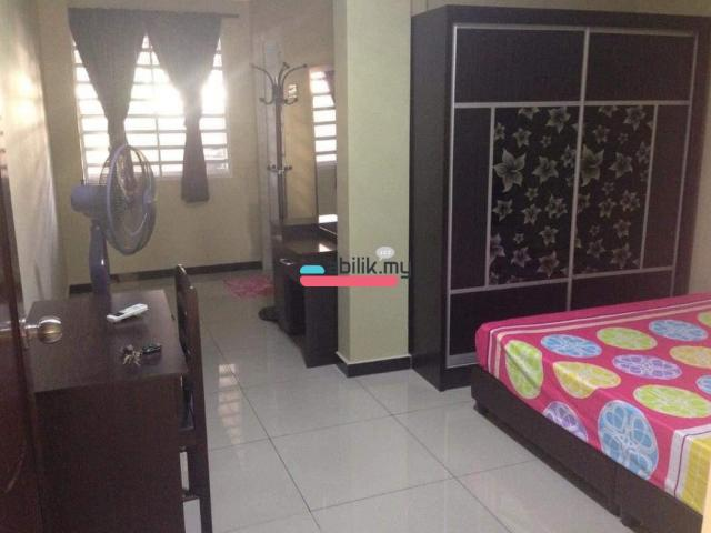 Bukit indah room for rent - 1